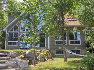 Haliburton Highlands Contau Lake Retreat (Sleep14)