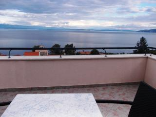 Apartment Grzin 4 (2+2), Moscenicka Draga