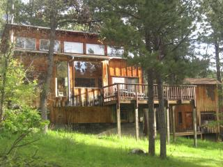 Coyote Ridge Lodge & Bunkhouse