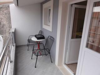 Apartment Ivo Makarska 5 for 3 persons