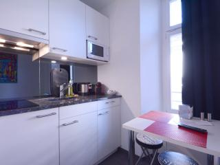 LU Station III - HITrental Apartment Lucerne, Lucerna