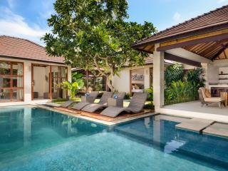 Arama Riverside Villas- Great Value 3br, Legian