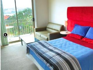 Bondi Beach Sandcastle Superior Double Room No. 1