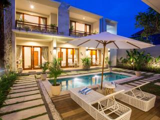 Brand new, Luxury 4 bed Mansion with Rooftop, Seminyak