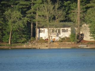 Beautiful Cottage on Crystal Lake, Gray