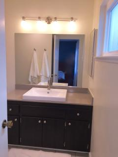Sink in the second bathroom.