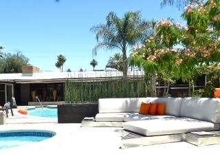Secluded Resort Like Apartment, Palm Springs