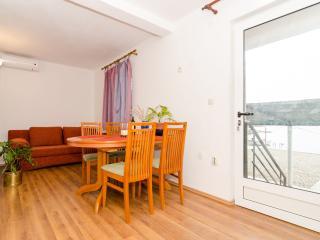 Apts Zuronja - One-Bedroom Apt with Sea View- 3, Putnikovic