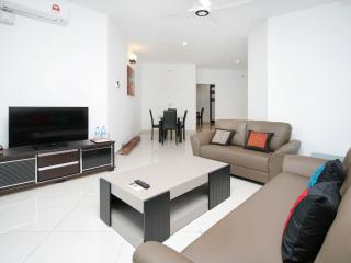 Home-Suites – Gurney Seaview Apartment in Penang.