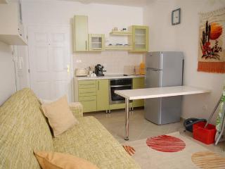 Tiffany 3 modern apartment for 5 people, Novalja