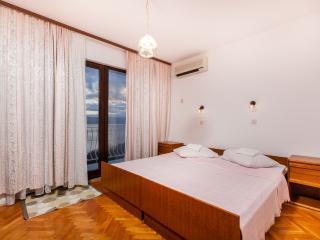 TH03425 Apartments Skalinada / Room S11, Lokva Rogoznica
