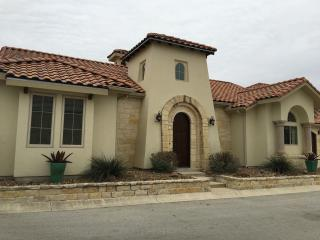 **NEW** Hill Country Villa in Gated Community, Kerrville