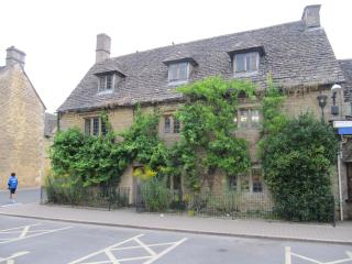 18th Century Character Cottage, Bourton-on-the-Water
