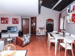 Romantic Trastevere Apartment, Rome