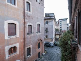 Romantic Trastevere Apartment