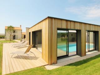 La Demeure du Pont Rolland - piscine intérieure, Avrille