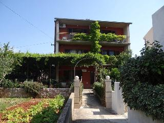 TH01915 Apartments Srhoj / Two bedrooms Hector A1, Stari Grad
