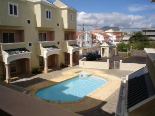 Superbe triplex avec piscine et gardiennage., Flic En Flac