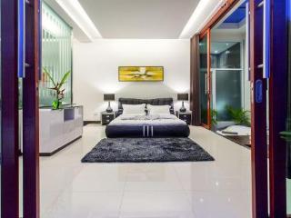 Enormous 4BR Villa in Hua Hin!