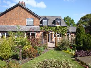 Hough Cottage, Comberbach - rural country cottage, Northwich