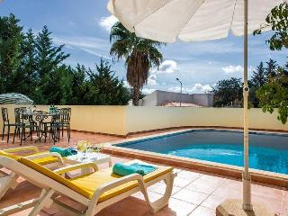 Quinta da Fonte beautiful three bedroom semi-detached villa near Faro!