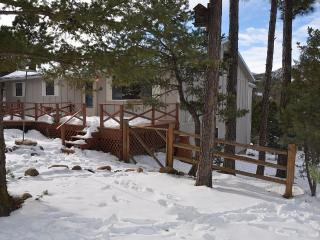 Ruidoso Luxury Family Retreat - Fully Remodeled!!