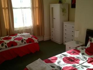 Spacious Holiday Apartment in Llandudno