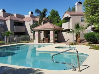 Charming 2 bed/2 bath Condo in Downtown Scottsdale