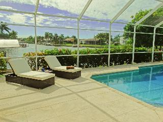 Southern exposure Villa with Bay view!!!, Cape Coral