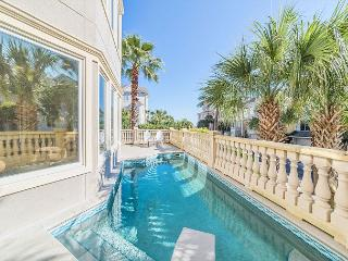 Collier Court 3, Luxury 6 Bedrooms, Private Pool, Elevator, Sleeps 14, Hilton Head