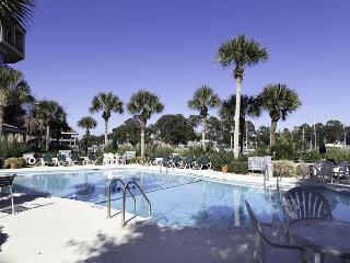Yacht Club 7536, Luxury 3 Bedrooms, Large Pool, Spa, Sleeps 8, Hilton Head