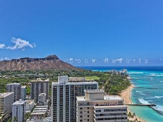 Spectacular Diamond Head and Ocean Views!  Free Parking!, Honolulu