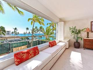 Right On The Beach at Diamond Head - Swimming and Surfing At Your  Door!, Honolulu