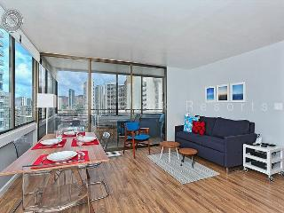 Renovated 21st floor one bedroom with new kitchen and bath!, Honolulu