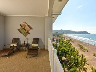 This Palms Jaco penthouse offers the most spectacular views on Jaco Beach!