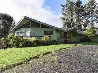 Viewcrest Retro Country Home * Redwood National Park,Ocean & Mtn Views