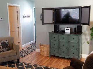 Azalea Haven - Brand New & Very Nice 1 Bedroom Retreat in Quiet Neighborhood, McKinleyville