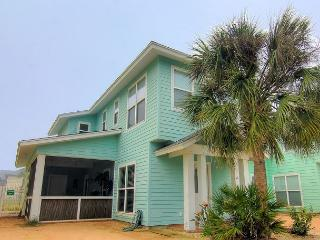 3 bed 2.5 bath home in Fabulous Royal Palms!