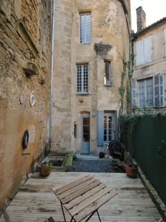 View of the rear of the apartment from the courtyard.