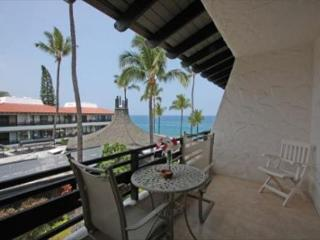 Casa De Emdeko 332- Amazing Oceanview, Top Floor, AC included!, Kailua-Kona