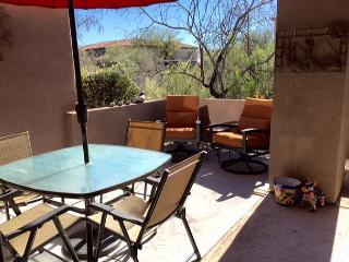 Charm of the Southwest with all the Comforts of Home and Easy Access!, Tucson