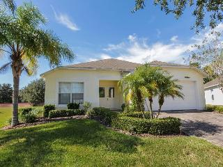 SUNNY SIDE: 4 Bedroom Pool Home in Gated Community with Pool Area Privacy