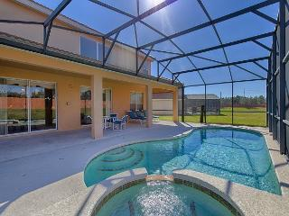 SYMPHONY VILLA: 6 Bedroom Home in Gated Resort Community with 3 Master Suites, Davenport