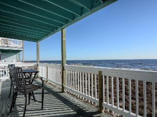 Sands III C2 - Fantastic ocean front condo with pool, Carolina Beach