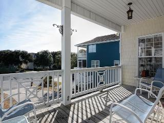 Island Jewel - Spacious house with two living rooms, Kure Beach