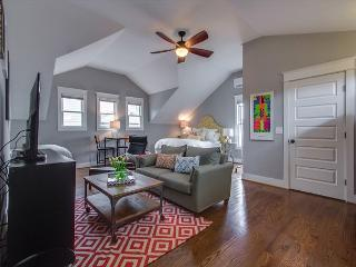 Hip and Spacious Studio in the Heart of Nashville – Walk to 12South!