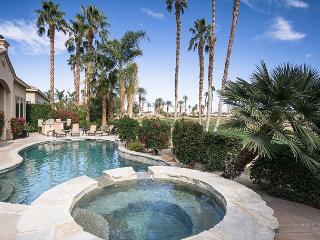 Lavish 4BR Golf Course Home in La Quinta