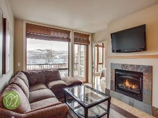 Second Floor Luxury Suite by Sage Vacation Rentals, Chelan
