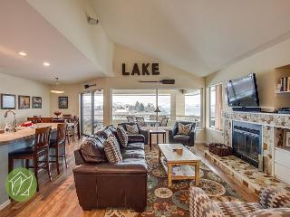 Wapato Point Halmalka Condo 511A by Sage Vacation Rentals