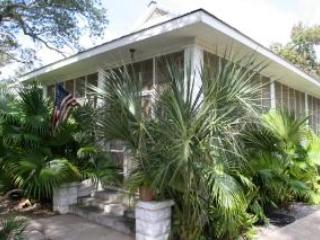 Historical Beach Cottage, Bay Saint Louis